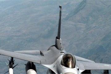 """Thành tích """"choáng"""" khi F-16 đối mặt với máy bay của Nga"""