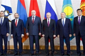 """Ông Putin trải lòng về giấc mơ """"tái hiện"""" Liên Xô hùng mạnh"""