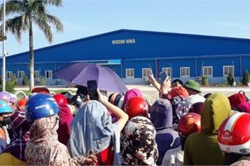 Nghệ An: Hàng trăm công nhân nhà máy Wooin Vina đình công, đòi quyền lợi