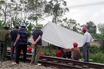 Nghệ An: Xót xa người phụ nữ đi khám bệnh bị tàu hỏa tông tử vong
