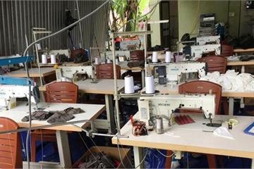 """Phát hiện hơn 30.000 khẩu trang y tế """"nhái"""" ở Nghệ An"""