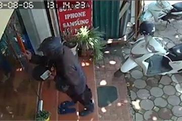 Hải Phòng: Công an cảnh báo về người mặt đen, cầm đầu gà đi ăn xin