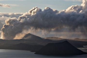 Chùm ảnh Philippines còn lại gì dưới tro tàn sau vụ phun trào núi lửa Taal