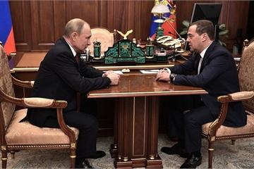 Thủ tướng Nga Medvedev từ chức, toàn bộ chính phủ sẽ giải thể