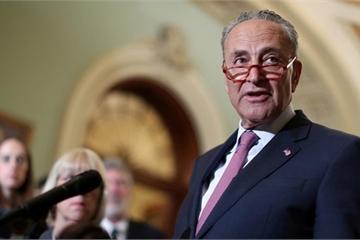 Thượng nghị sĩ Mỹ chi gần 9.000 USD chỉ để... mua bánh kem