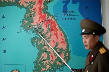 Triều Tiên bất ngờ tiến hành phóng thử hai tên lửa tầm ngắn?