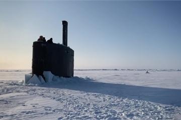 """Mãn nhãn tàu ngầm hạt nhân của Mỹ """"vén màn"""" bí ẩn dưới lớp băng ở Bắc Cực"""