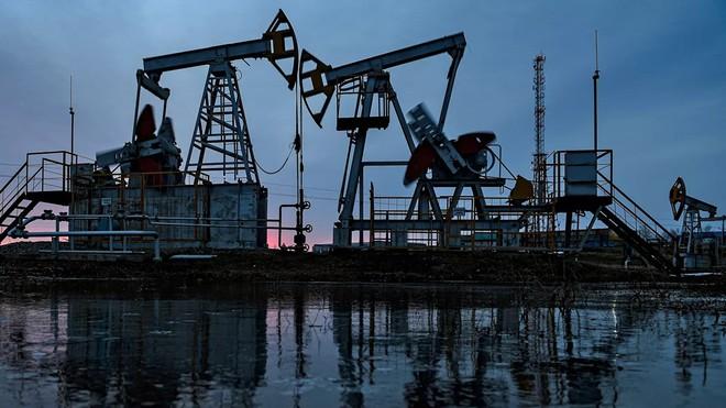 """ngành sản xuất dầu mỏ ở mỹ,Mỹ """"quyết không tha"""" cho Nga trong cuộc chiến  tranh dầu mỏ"""