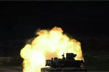 """""""Siêu xe tăng"""" T-95 của Nga là """"nỗi khiếp sợ"""" đối với NATO"""