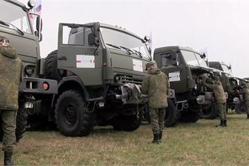"""Video quân đội Nga tiến vào phun thuốc khử trùng tại """"tâm dịch"""" nước Ý"""
