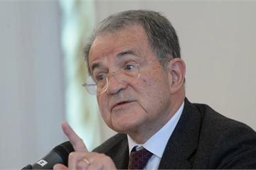 """Cựu quan chức Italy: Sự giúp đỡ của Nga """"xứng đáng được ban phước"""""""