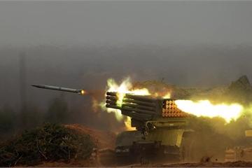 """Chiêm ngưỡng hệ thống pháo phản lực BM-21 Grad """"rít lửa"""" đánh bay mọi mục tiêu"""
