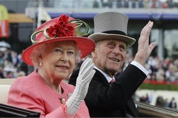 """Hé lộ những bí mật """"kỳ lạ"""" khi đi du lịch của Hoàng gia Anh"""