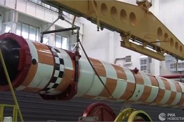 """Nga tiết lộ thời gian hạ thủy tàu ngầm mang ngư lôi hạt nhân """"khủng"""" Poseidon"""