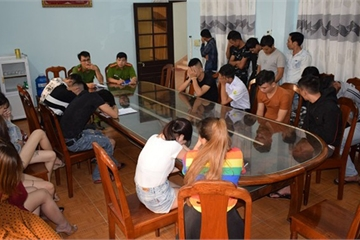 """Gần 70 đối tượng """"phê"""" ma túy trong quán karaoke ở Quảng Nam"""