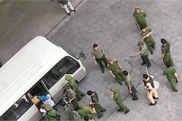 TP.HCM: Hơn 100 cảnh sát đột kích ổ bay lắc trong chung cư ở quận 4