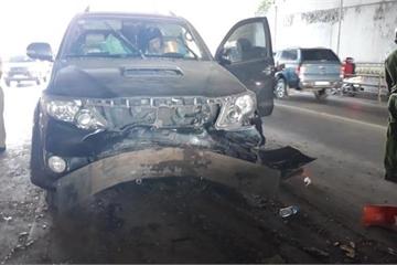 TP.HCM: Cứu hộ tai nạn, tài xế co giò chạy, vớ trúng xe hàng lậu