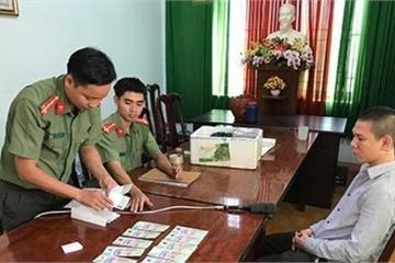 Đắk Nông: Lấy tiền thật mua tiền giả, 3 cô gái trẻ bị truy tố