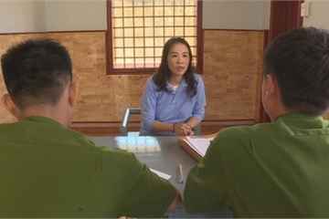 Gặp Giám đốc Công an tỉnh, nữ 'đại tá công an' giả bị bắt tại chỗ