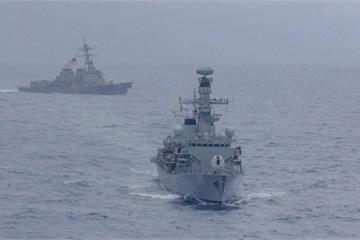 Căng thẳng với Trung Quốc, Mỹ cùng 3 nước Châu Á bất ngờ tập trận ở Biển Đông
