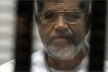 Cựu Tổng thống Ai Cập lên cơn đau tim, tử vong tại tòa án