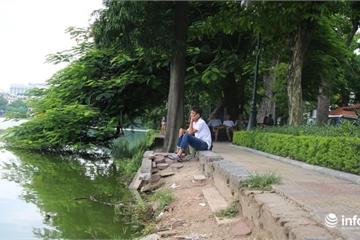Bờ Hồ Gươm bị sạt lở nghiêm trọng, gây mất mỹ quan đô thị