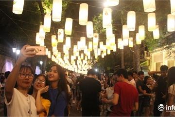 Hà Nội: Lung linh sắc màu tại phố đèn lồng Phùng Hưng