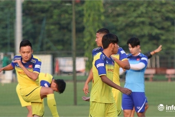 Huy Toàn gặp chấn thương, nguy cơ vắng mặt trận gặp Malaysia