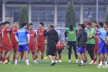 HLV Park Hang-seo công bố 27 cầu thủ sẽ đấu với UAE và Thái Lan
