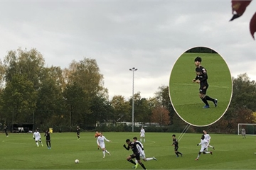 Được ra sân, Công Phượng bỏ lỡ cơ hội mười mươi khi đối mặt với thủ môn