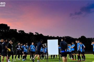 """Sợ lộ bài, Thái Lan thuê sân của Viettel để """"luyện công"""""""