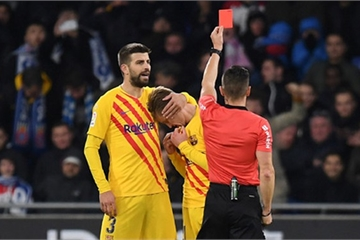 Barca đánh rơi chiến thắng, HLV Valverde đổ lỗi cho De Jong