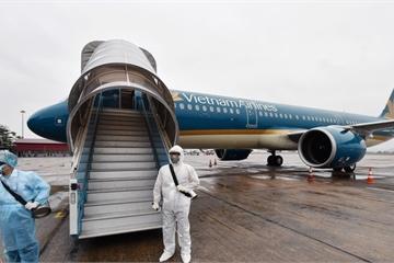 Khử trùng toàn bộ chuyến bay quốc tế về Việt Nam