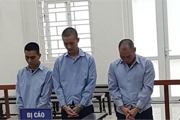 Hai bé gái 15 tuổi bị giam lỏng để mua vui cho đàn ông