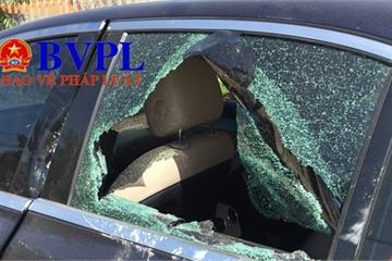 Thông tin về chủ nhân chiếc xe Mercedes có dính máu bị đập phá