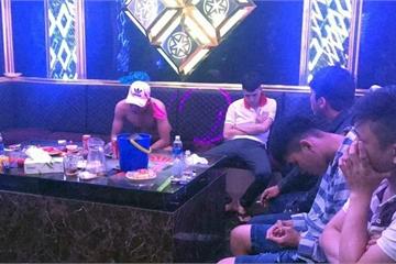 Tiền Giang: Chào năm mới, 29 'dân chơi' dương tính với ma túy trong quán karaoke
