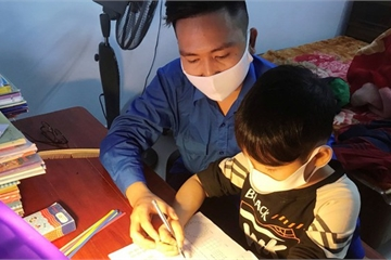 'Tiếng kẻng học bài' giúp học sinh xứ Nghệ 'không quên nhiệm vụ' mùa dịch