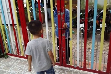 Kon Tum: Âm mưu bắt cóc trẻ em, xông vào trường tự xưng bạn của bố