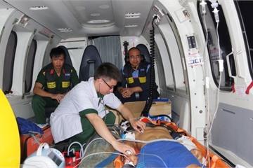 Bay xuyên đêm cấp cứu một chiến sĩ tại đảo Trường Sa bị đa chấn thương