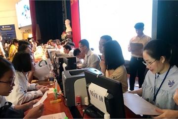 700 tân sinh viên Đại học Ngân hàng TP.HCM háo hức nhập học