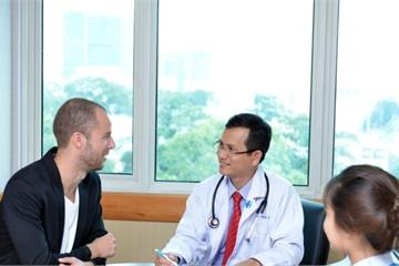 """TPHCM: Y tế đang """"hút"""" khách nước ngoài"""