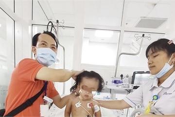 Suy hô hấp nặng, bé gái 2,5 tuổi được cứu sống nhờ kỹ thuật ECMO
