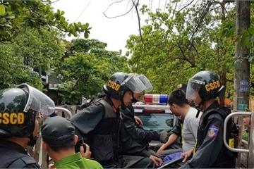 Kinh hãi đối tượng cầm dao chém xe của Giám đốc Sở GD&ĐT Quảng Trị