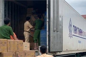 Huế: Bắt giữ xe container vận chuyển hơn 26.000 gói thuốc lá lậu
