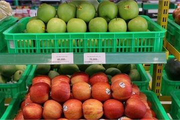 """Vốn tiết kiệm nhưng các bà nội trợ vẫn """"bạo chi"""" cho trái cây nhập khẩu"""