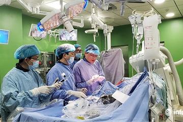 BV Đà Nẵng đưa vào hoạt động phòng mổ tim mạch hiện đại bậc nhất