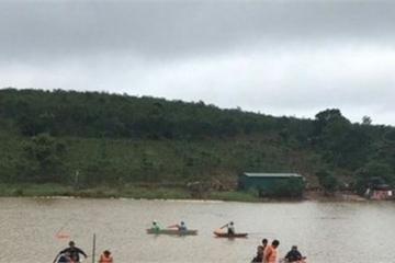 Lâm Đồng: Lật thuyền giữa hồ, 3 người tử vong