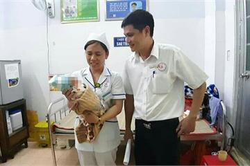 Đắk Lắk: Bé trai 2 ngày tuổi bị mẹ bỏ rơi tại bệnh viện