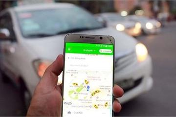 """Grab lên tiếng khi Bộ GTVT """"tuýt còi"""" taxi tỉnh cài Grab chạy ở Hà Nội"""
