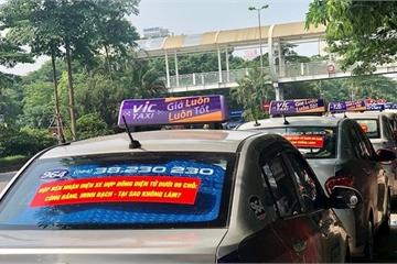 Xe taxi có thể bỏ mào để dán phù hiệu như xe công nghệ